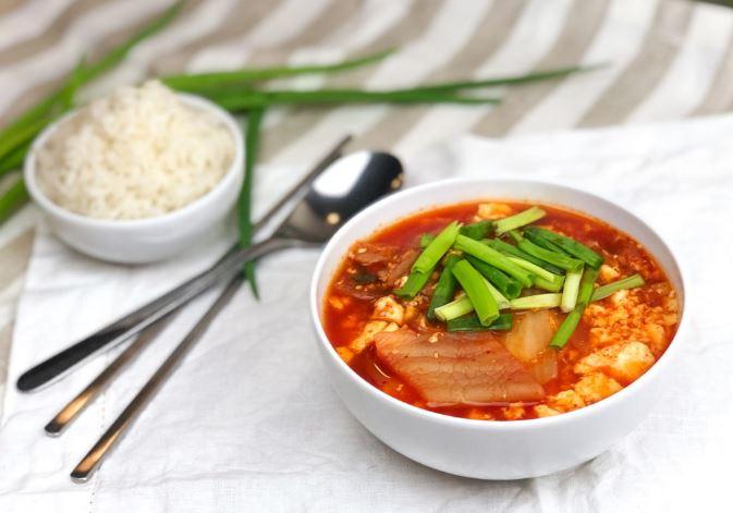 Корейська кухня: рецепт кімчі сундубу ччіге
